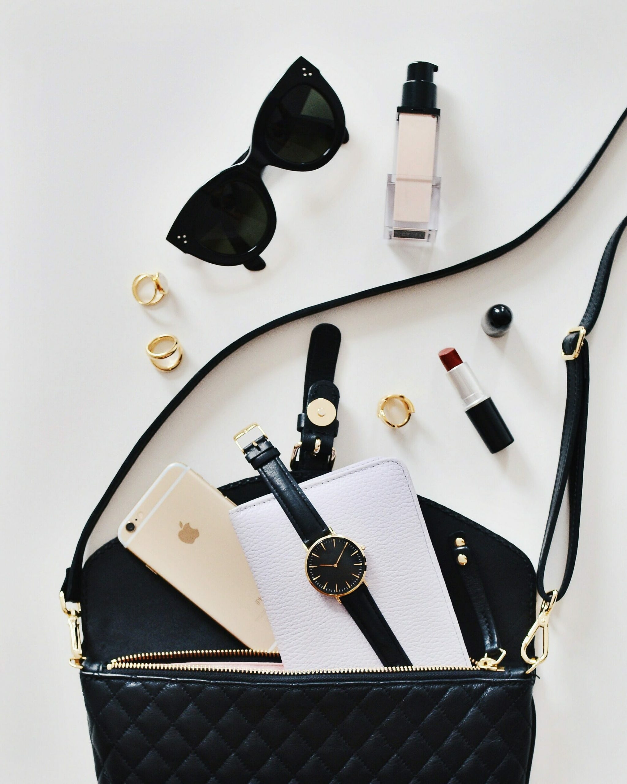 Perfect Flatlays For Instagram (Easy Tips)