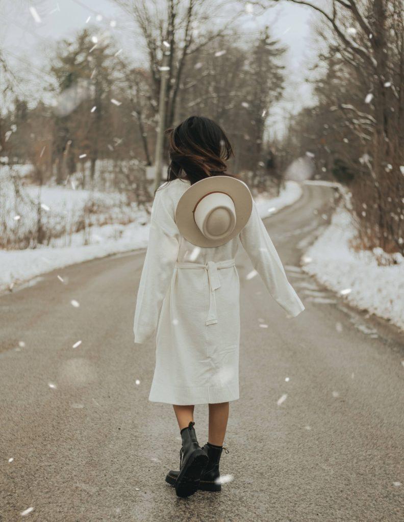 Wolf Global_Winter Photoshoot Ideas for Instagram_Winter Wonderland